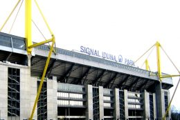 Das größte Fußballstadion Deutschlands: der Signal Iduna Park in Dortmund